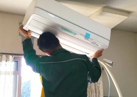 引越し時のエアコン取り外し・取り付け費用の相場!エアコン移設工事の依頼業者はどこが安い?